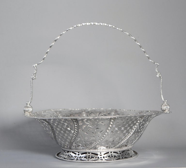 Early Georgian Silver Basket, London 1761 by William Plummer For Sale 8