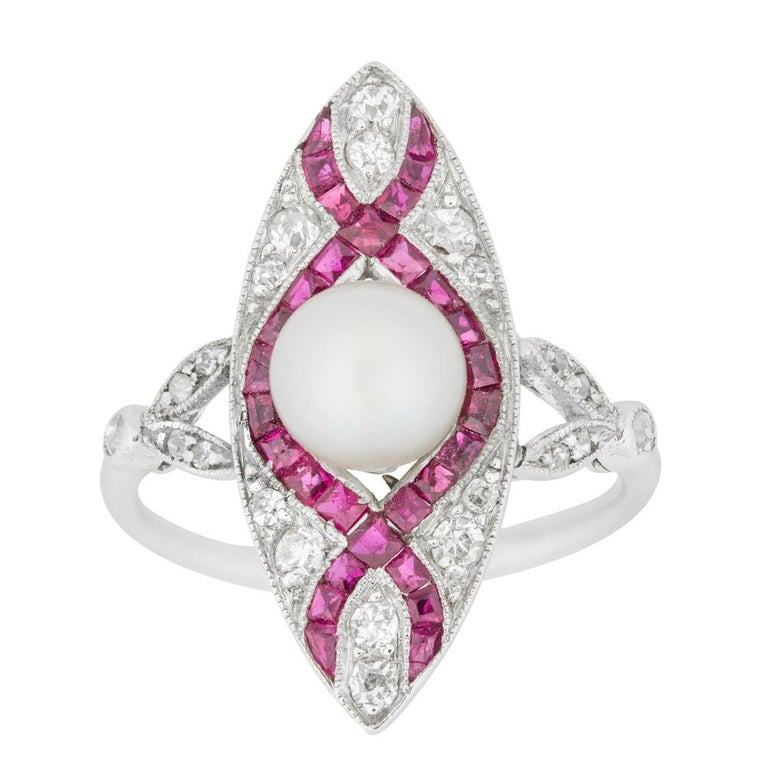 Edwardian Marquise Diamond Pearl and Ruby Ring In Good Condition For Sale In London, GB
