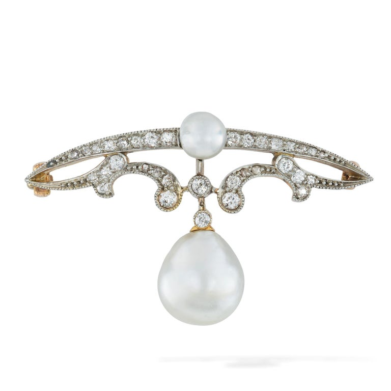 Edwardian Natural Pearl and Diamond Brooch In Good Condition For Sale In London, GB