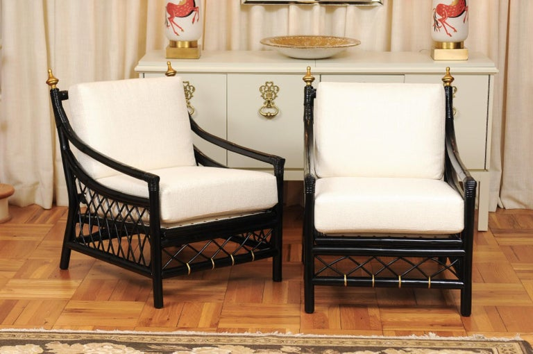 Mid-Century Modern Elegant Restored Pair of Throne Loungers by Willow and Reed, circa 1955 For Sale