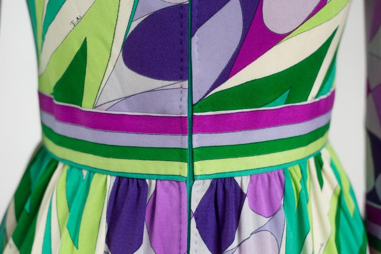 An Emilio Pucci Printed Silk Jersey Dress - Italy Circa 1970 For Sale 8