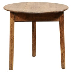 English Round Oak Wood Occasional Table from the 19th Century