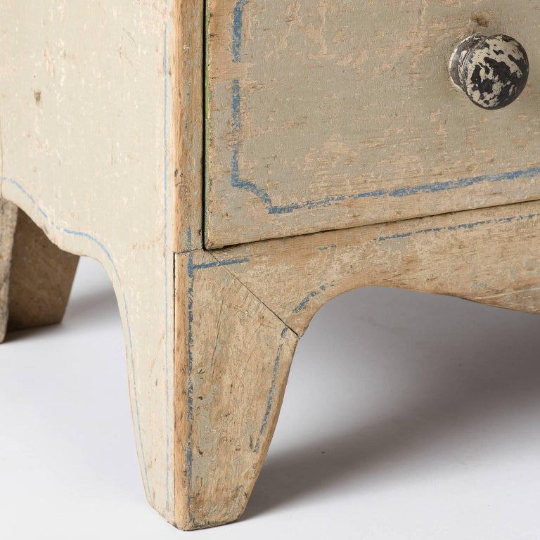 English Three-Drawer Painted Chest, circa 1880 For Sale 1