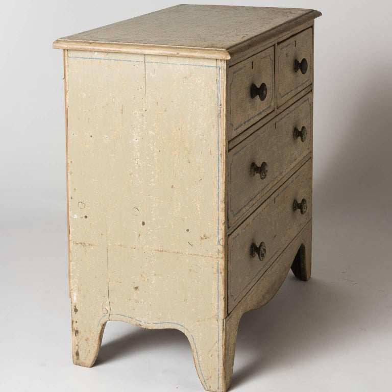 English Three-Drawer Painted Chest, circa 1880 For Sale 4