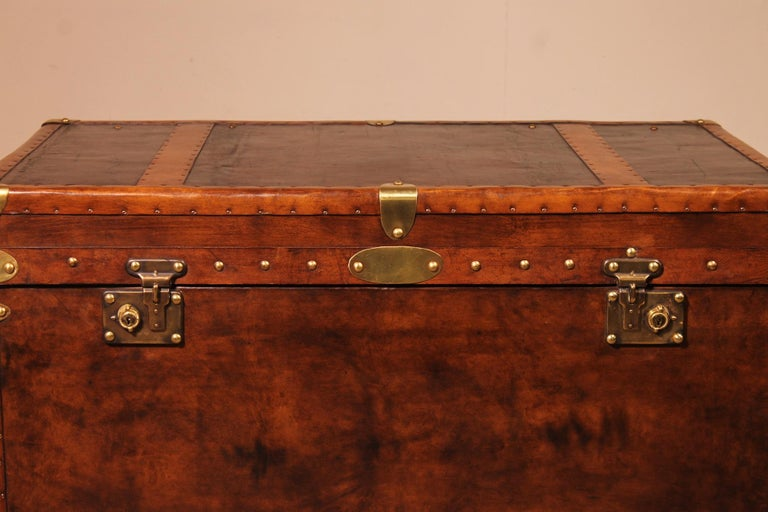 A very elegant English travel chest from England from the early 20 century