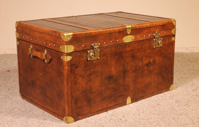 Edwardian English Travel Chest in Leather, Early 20th Century For Sale