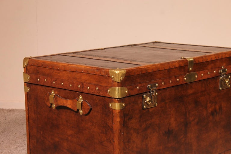 English Travel Chest in Leather, Early 20th Century For Sale 3