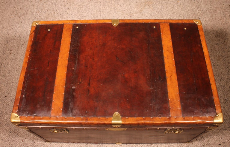 English Travel Chest in Leather, Early 20th Century For Sale 4