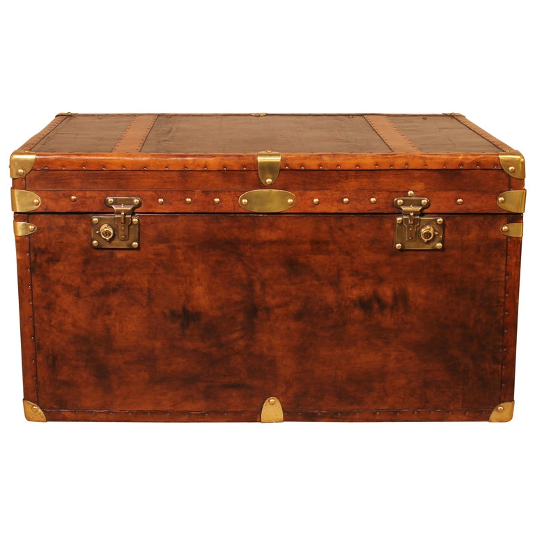 English Travel Chest in Leather, Early 20th Century For Sale