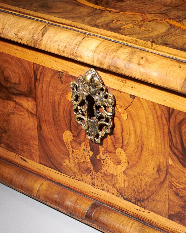 Exceptional Charles II Blond Olive Oyster Lace-Box of Large Scale In Good Condition For Sale In Buscot, Oxfordshire