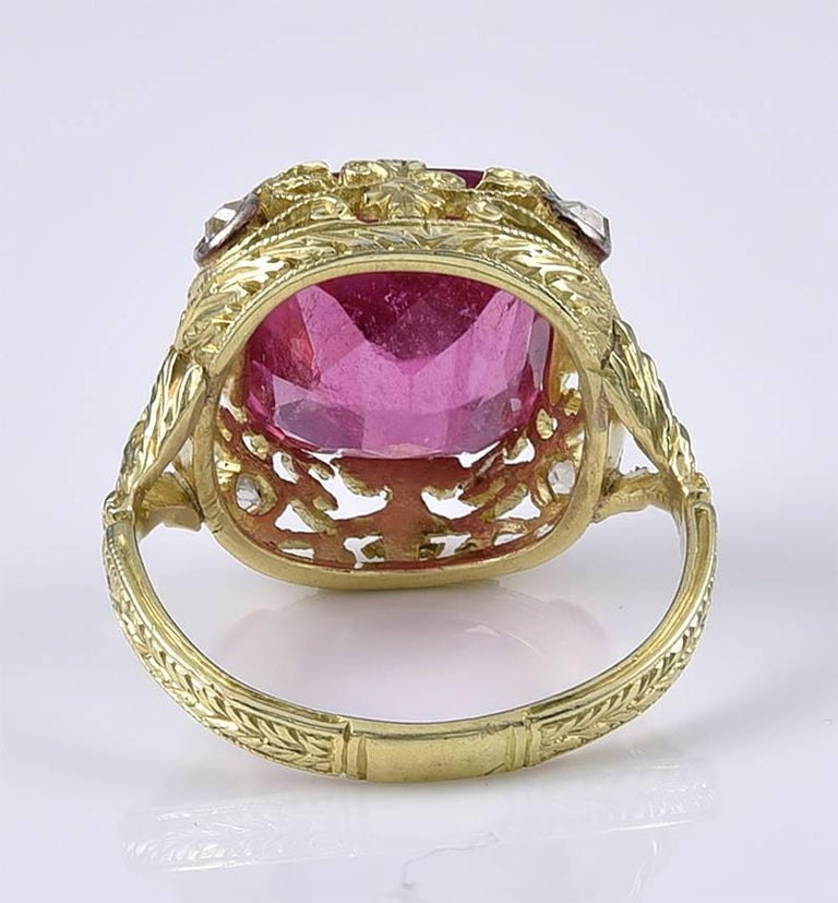 Rococo An exceptional Vivid Pink Tourmaline Ring For Sale