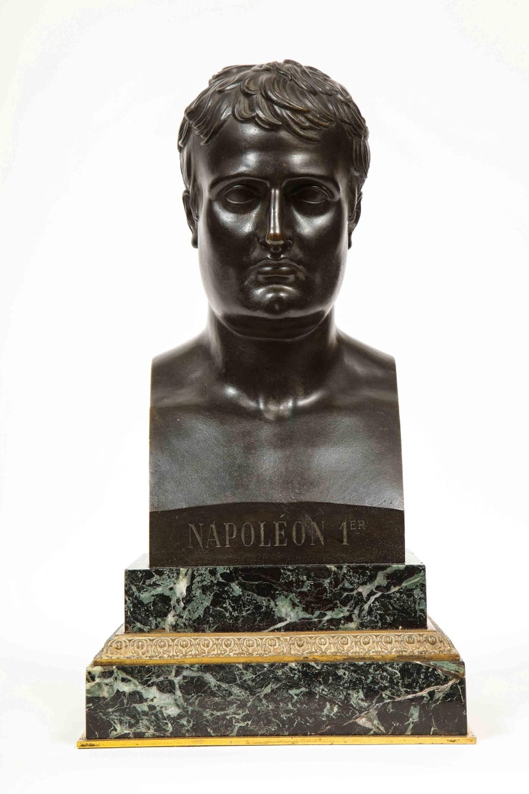 Exquisite French Patinated Bronze Bust of Emperor Napoleon I, after Canova In Good Condition For Sale In New York, NY
