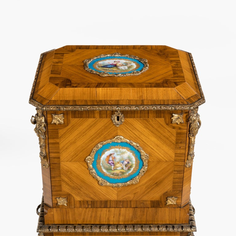 Exquisite Jewel Casket in the Louis XV Manner For Sale 3