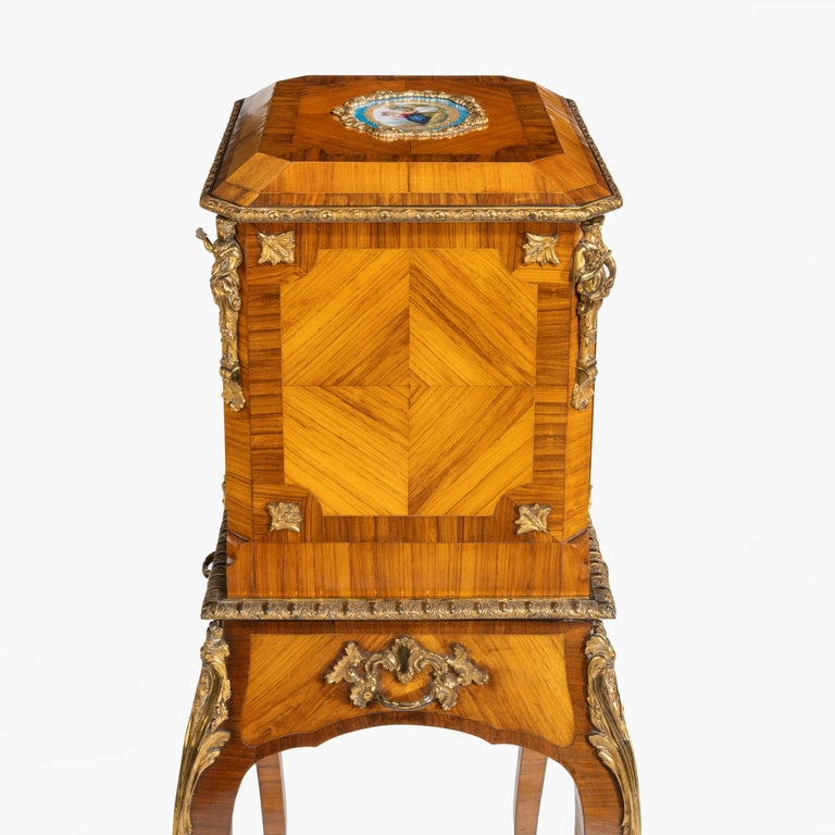 Exquisite Jewel Casket in the Louis XV Manner For Sale 5
