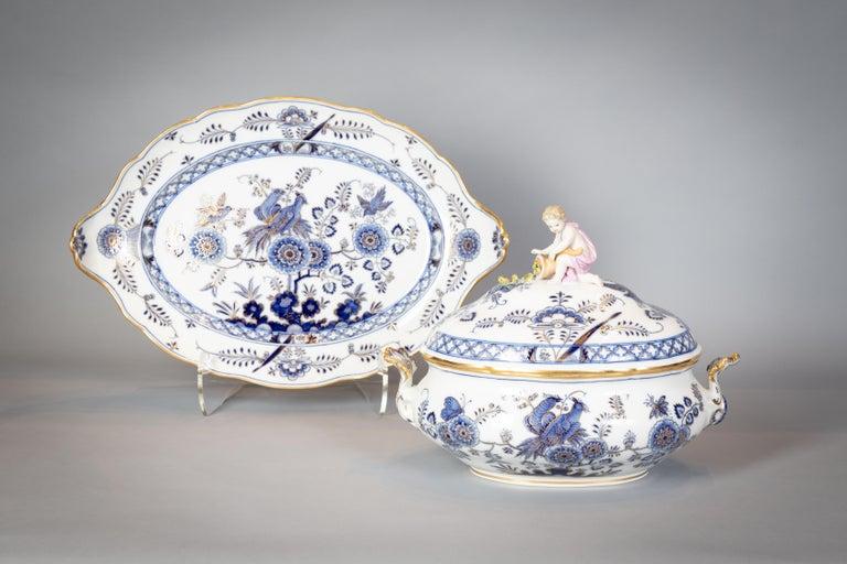 German Extensive Assembled Meissen Blue and White Bird Model Dinner Service, circa 1890 For Sale