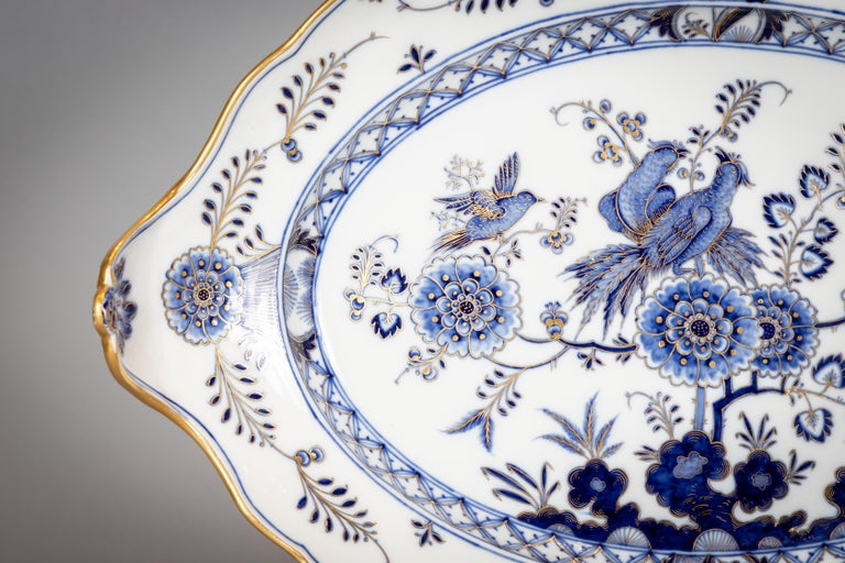 Extensive Assembled Meissen Blue and White Bird Model Dinner Service, circa 1890 For Sale 1