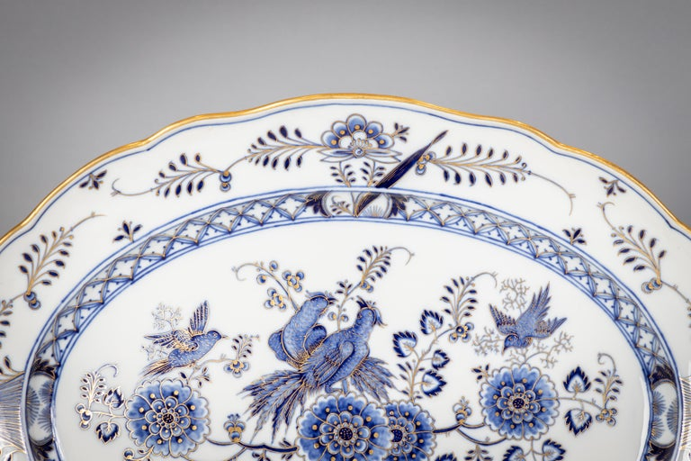 Extensive Assembled Meissen Blue and White Bird Model Dinner Service, circa 1890 For Sale 2