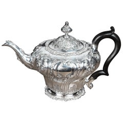 Extremely Pretty Late 19th Century Melon Shaped Victorian Silver Teapot