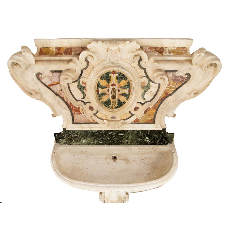 Italian 18th Century Baroque Period Marble Fountain For Sale 7