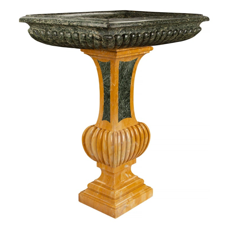 Italian 19th Century Neoclassical Style Marble Birdbath or Planter In Excellent Condition For Sale In West Palm Beach, FL