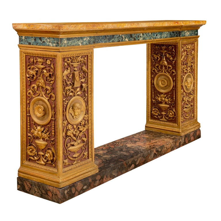 Italian 19th Century Neoclassical Style Painted and Giltwood Console In Excellent Condition For Sale In West Palm Beach, FL