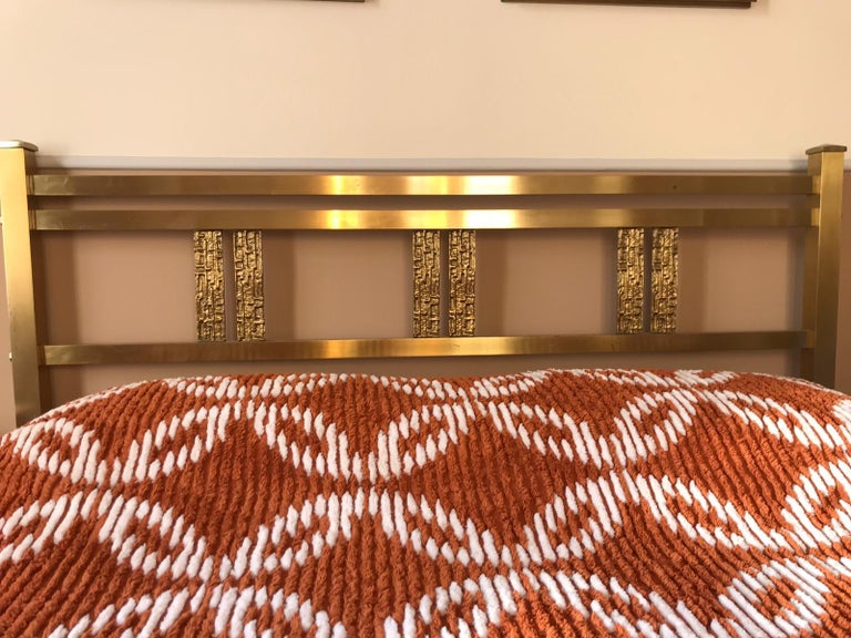 Italian Bed in Brass and Bronze by Luciano Frigerio, circa 1960 In Good Condition For Sale In London, GB