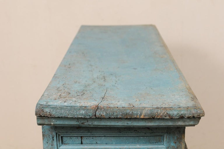A 19th Century Italian Console Storage Cabinet, in Beautiful Blue Color For Sale 6