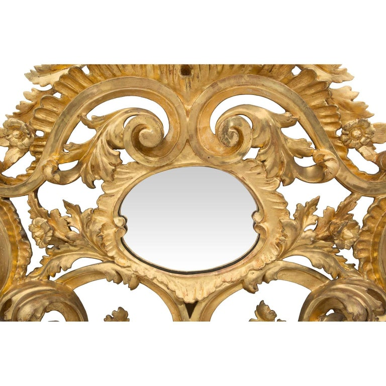 Italian Early 19th Century Baroque Giltwood Mirror For Sale 1