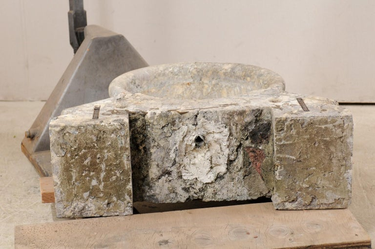 Italian Marble Fountain Basin from the 19th Century For Sale 7