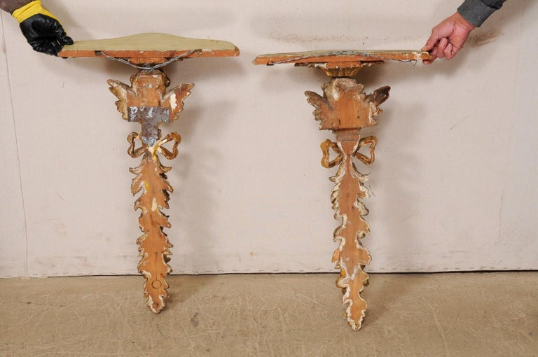 Italian Pair of Antique Carved and Giltwood Putti & Garland Fragments with Shelf For Sale 7