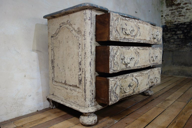 Original Painted French Serpentine Commode, Chest of Drawers For Sale 1