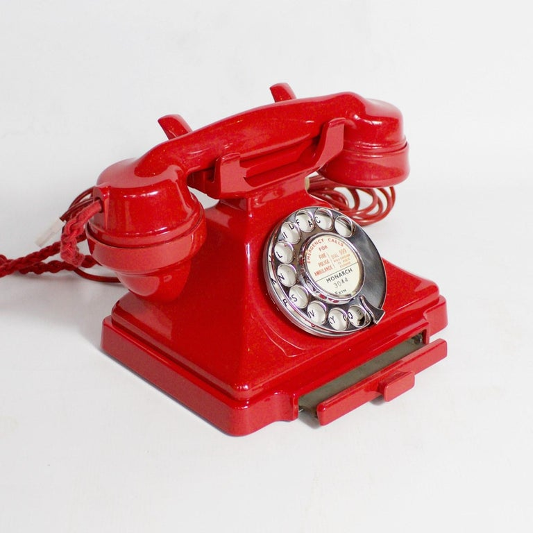 Original, Rare GPO Model 232 Chinese Red Bakelite Telephone, circa 1956 In Excellent Condition For Sale In Forest Row, East Sussex
