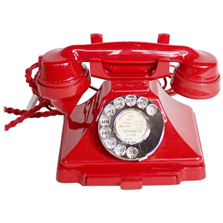 Original, Rare GPO Model 232 Chinese Red Bakelite Telephone, circa 1956 For Sale