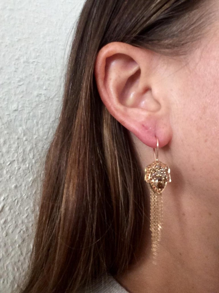 Ana de Costa White Pear Round Diamond Platinum Drop Chain Tassel Earrings In New Condition For Sale In London, GB