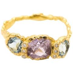 Lilac Sapphire Aquamarine Diamonds 18 Karat Yellow Gold Ring