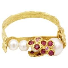 Rubies Sapphires Akoya Pearl 18 Karat Yellow Gold Ring