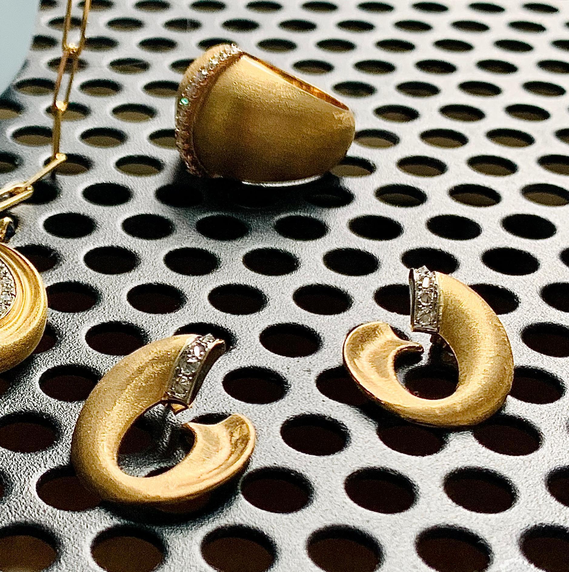 Mini Theana Creoles  earring  mada jewelry