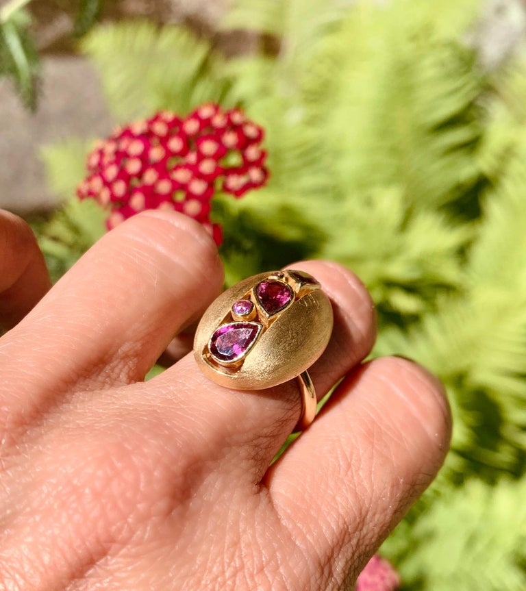 Brilliant Cut AnaKatarina 18 Karat Yellow Gold, Pink Tourmaline and Pink Sapphire Ring For Sale
