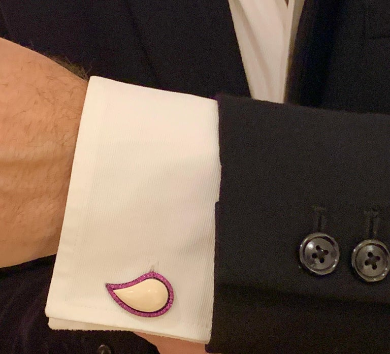 AnaKatarina Pink Sapphire and Mammoth 'Ishq' Cufflinks In Excellent Condition For Sale In Dedham, MA