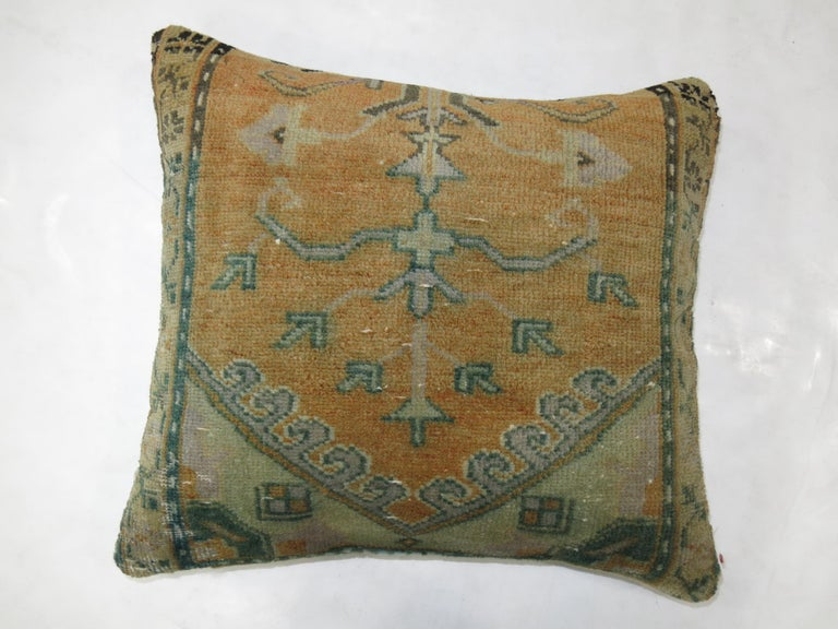 Anatolian Rug Pillow In Good Condition For Sale In New York, NY
