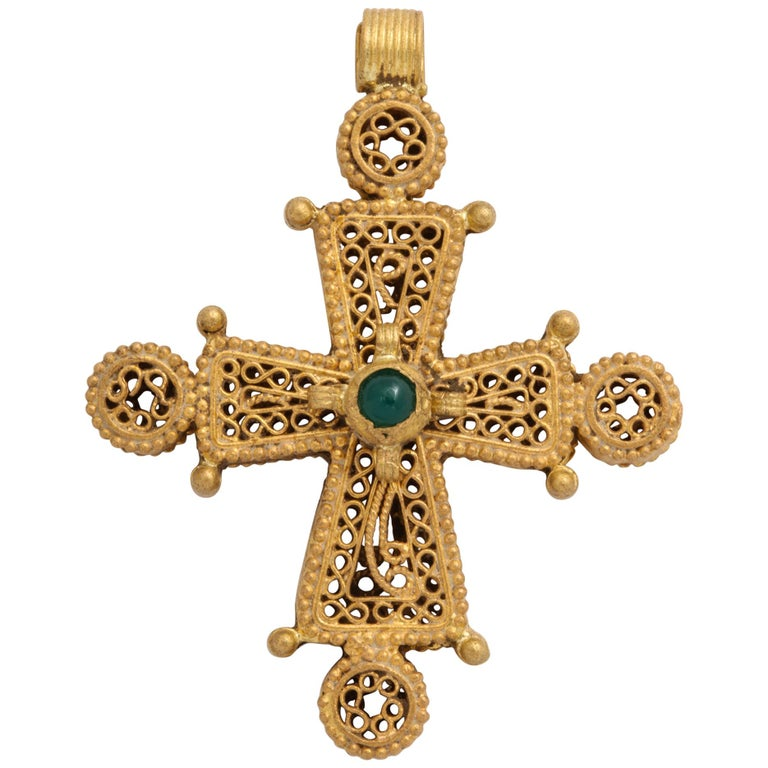 Ancient Byzantine Gold Cross with Emerald For Sale