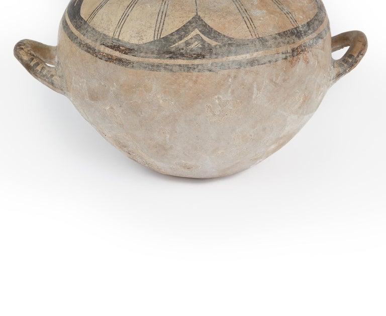Ancient Daunian Vessel, 6th-5th Century BC, Apulia, Italy In Good Condition For Sale In London, GB