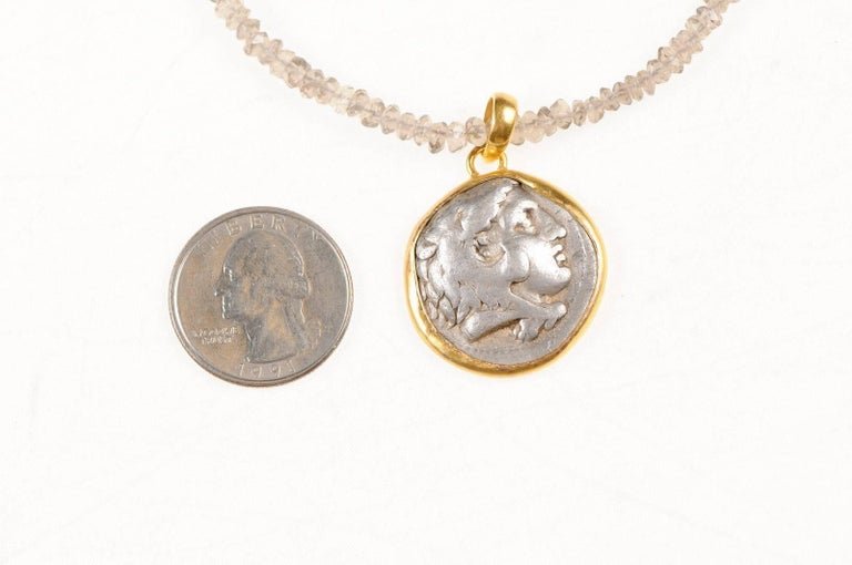 Ancient Greek Alexander the Great Silver Tetradrachm Coin in 22 kt Gold Pendant  In Good Condition For Sale In Atlanta, GA