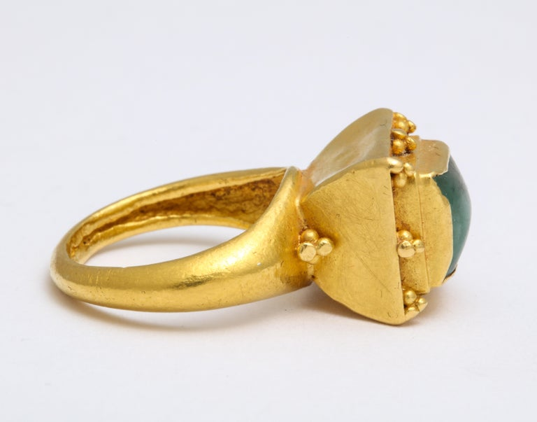 Ancient Medieval Gold Emerald Ring For Sale 3