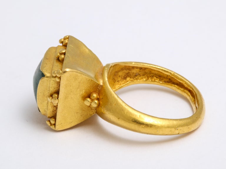 Ancient Medieval Gold Emerald Ring For Sale 4