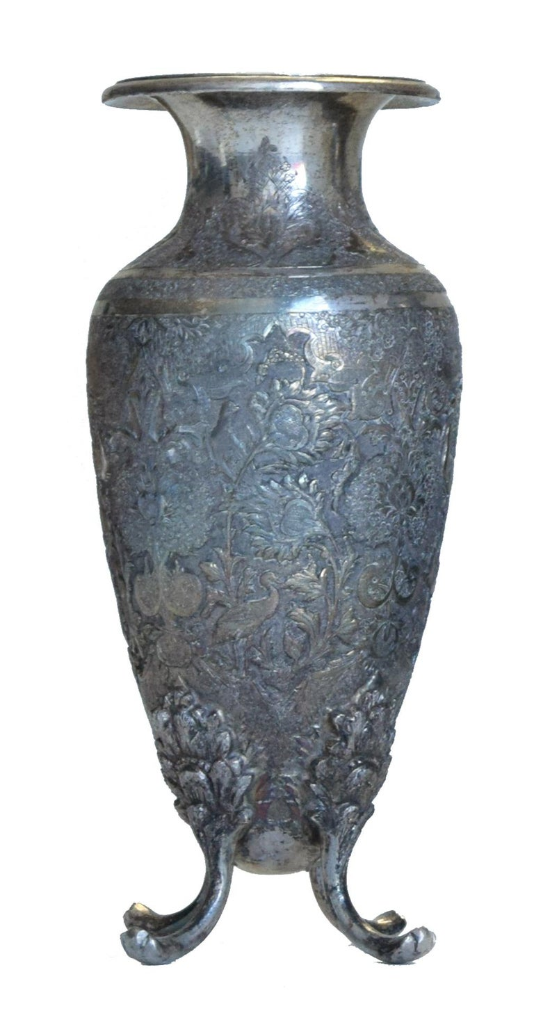 Ancient Persian Silver Chalice and Vases, End of 19th Century In Good Condition For Sale In Roma, IT
