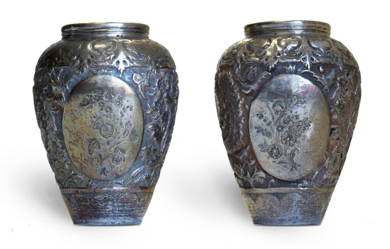 Ancient Persian Silver Chalice and Vases, End of 19th Century For Sale 4