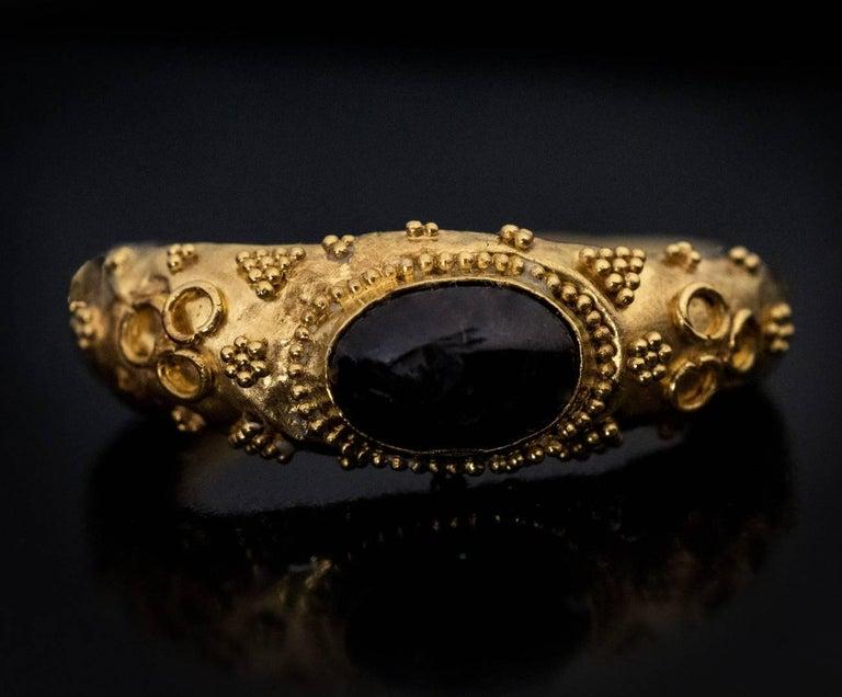 Women's or Men's Ancient Roman Garnet Intaglio Gold Ring For Sale
