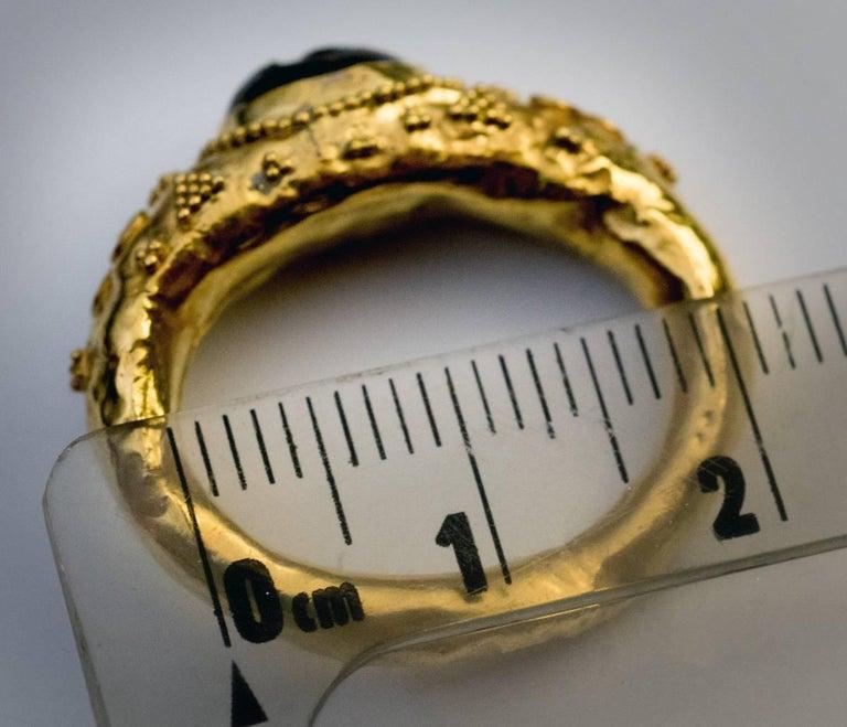 Ancient Roman Garnet Intaglio Gold Ring For Sale 4
