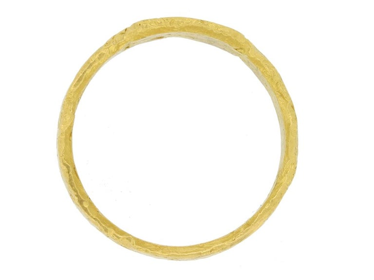 Classical Roman Ancient Roman Gold Ring, circa 306-337 AD For Sale